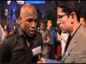 Floyd Mayweather Jr makes his statements at the LA press conference 300x225 Floyd Mayweather Jr. seeks to serve remaining sentence under house arrest or he might not fight again
